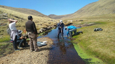 5-259 Fieldwork in the Cachi basin headwaters  Ayacucho